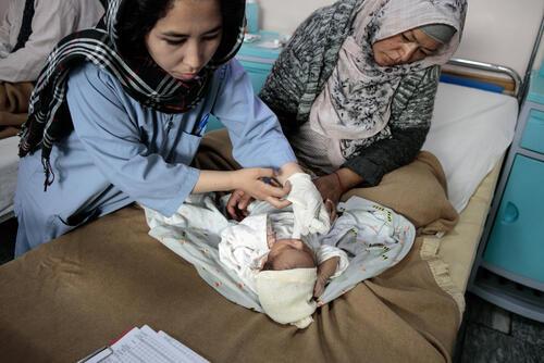 Giving birth in DeB