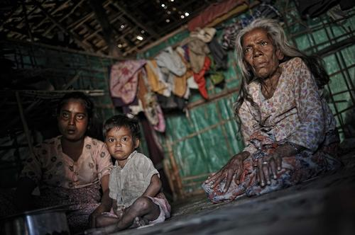 Humaniatarian emergency in Rakhine state, Myanmar