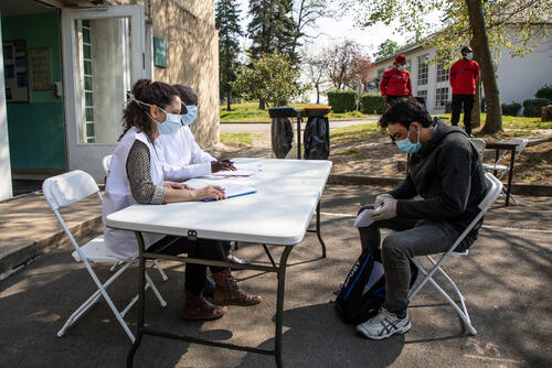 MSF provides medical assistance in Covid+ centres in Paris and the suburbs