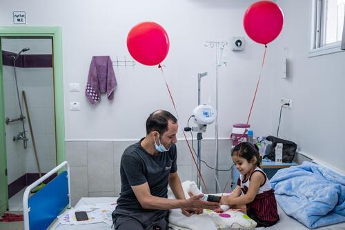 Treating child injuries in blockaded Gaza 13