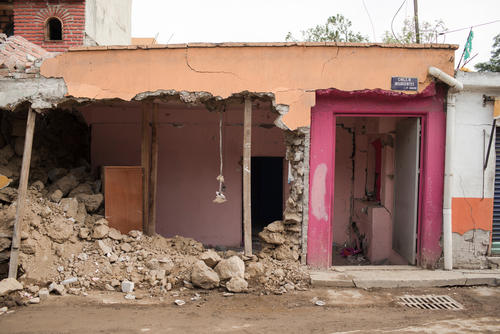 MSF provides psychosocial support to those affected by the earthquake in Mexico
