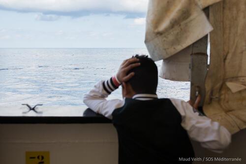 Aquarius__People leaving for Maltese boat