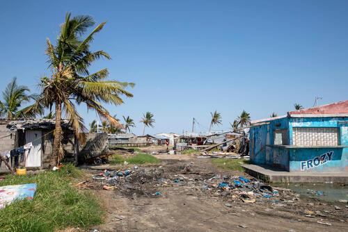 Mobile Clinics in Ponta Gea, Beira area.