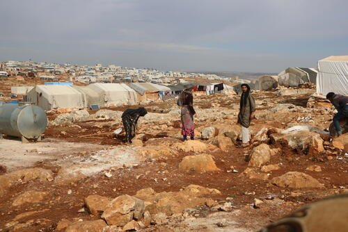Northwest Syria: Displaced people prepare for another harsh winter