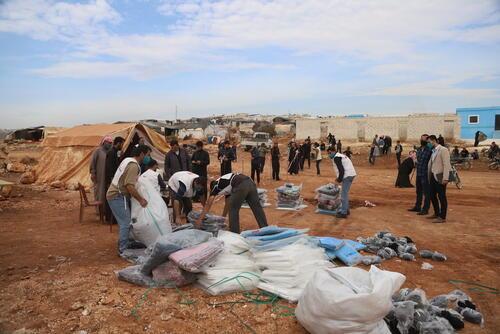 النازحون في شمال غرب سوريا يواجهون شتاء قارس