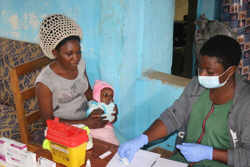 MSF descentralized model of care