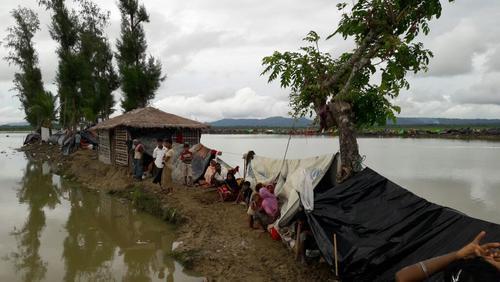 Rohingyas Fleeing into Bangladesh