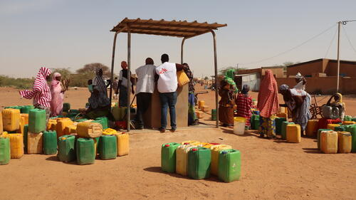 Conflict in Burkina Faso: when the whole day is devoted to fetching water