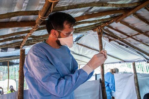 Ebola vaccination in Ikoko Impenge