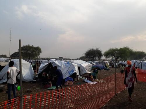 Pibor-Thousands flee into the bush as conflict intensifies