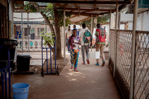 The journey of a wounded woman at MSF'SICA hospital in Bangui