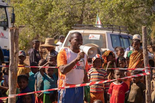 Mobile clinic in Kapila