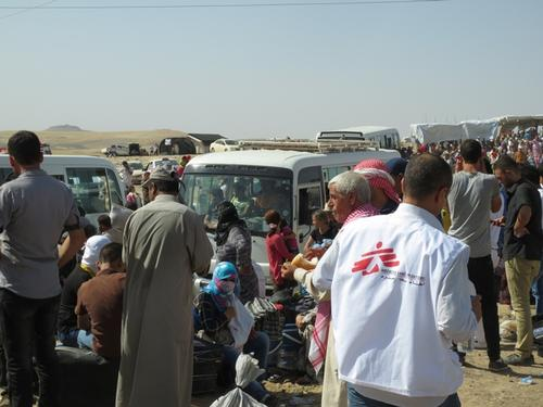 Iraq - Thousands of Syrians crossing the border into Iraqi Kurdistan
