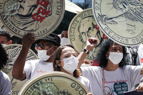 Protest in front of J&J Brazil (TB)
