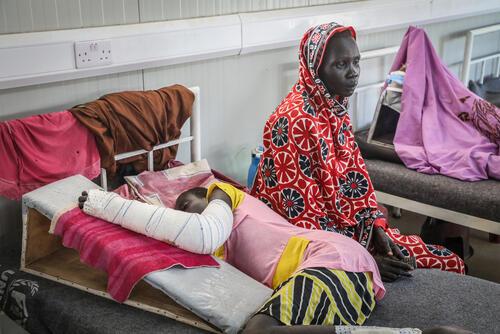 Aguek Deng, a snakebite patient in the post-op ward