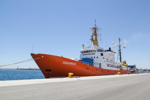Aquarius leaves Valencia to SAR