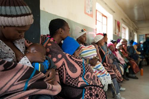 Women at MSF supported health center of Ha Seng, Lesotho.(MSB2386 )