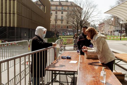 Covid-19, Distribution to vulnerable populations in Geneva