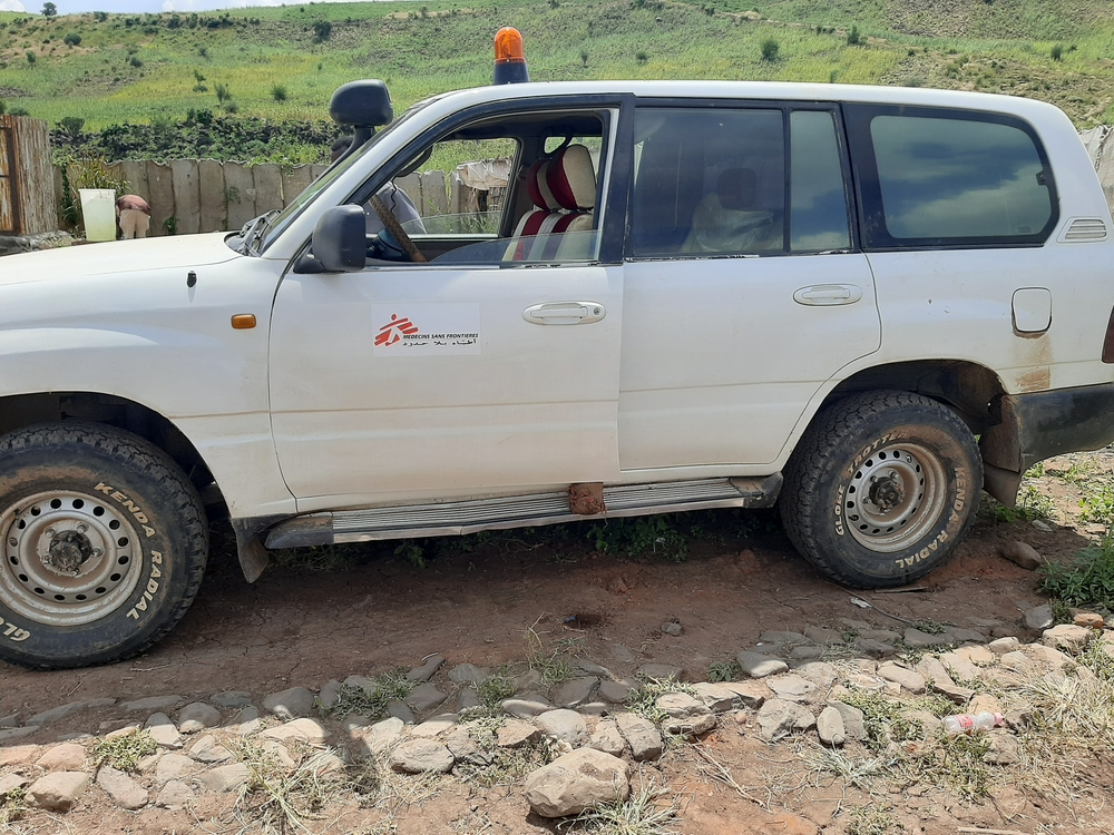 MSF ambulance car