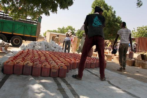 Food distribution in Maiduguri, Nigeria