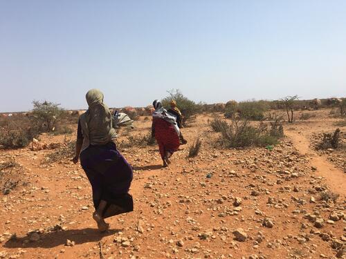 Community workers visit an internally displaced peoples camp in Somali Region, Ethiopia